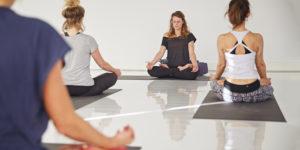 Leren mediteren door Yoga op werk